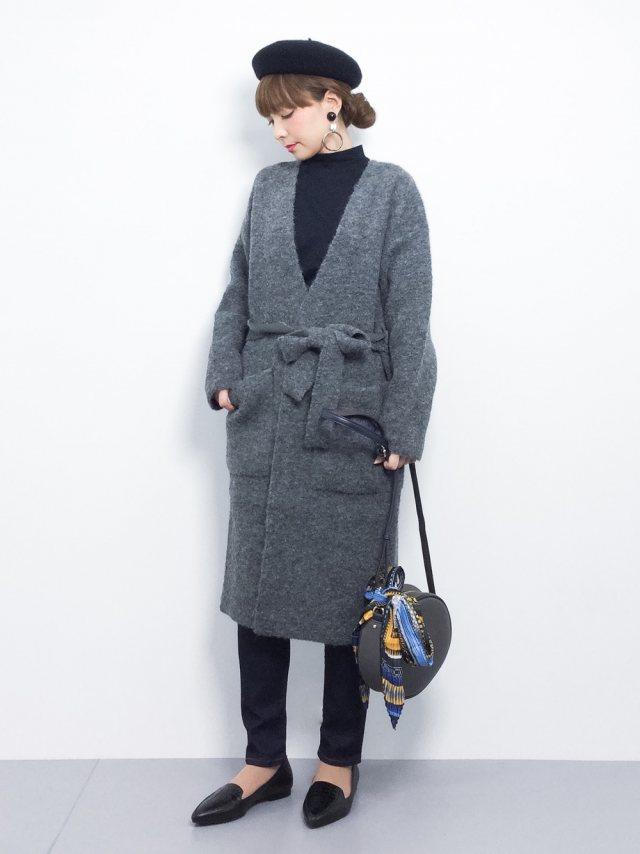 ガウンコートとベレー帽の秋冬コーデ