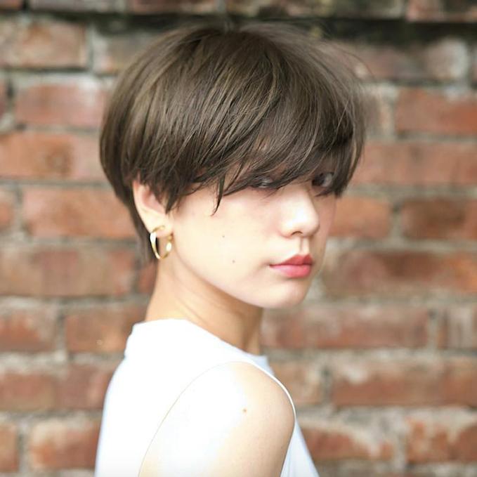 《うざバング×ショートヘア》パーマ・前下がり・黒髪など最新スタイル&セット方法