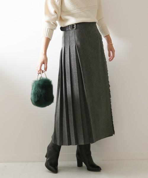 グレーのプリーツ切り替えスカート
