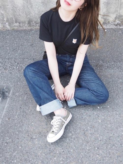 Tシャツが似合わない女性の特徴のコーデのバランスが悪いイメージ画像