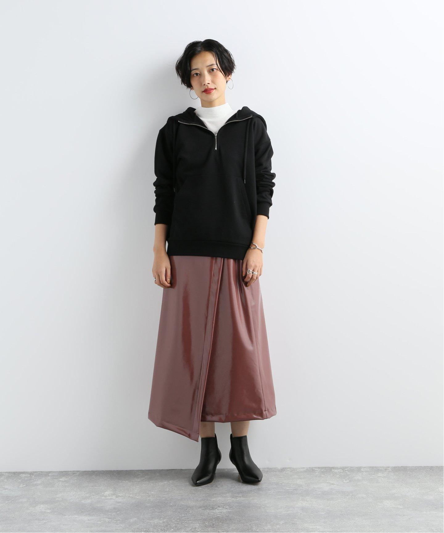 ブラウンのラップレザースカート