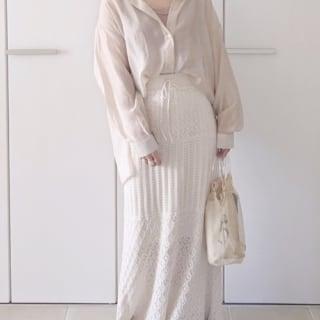 透かし編みニットスカートのコーデ