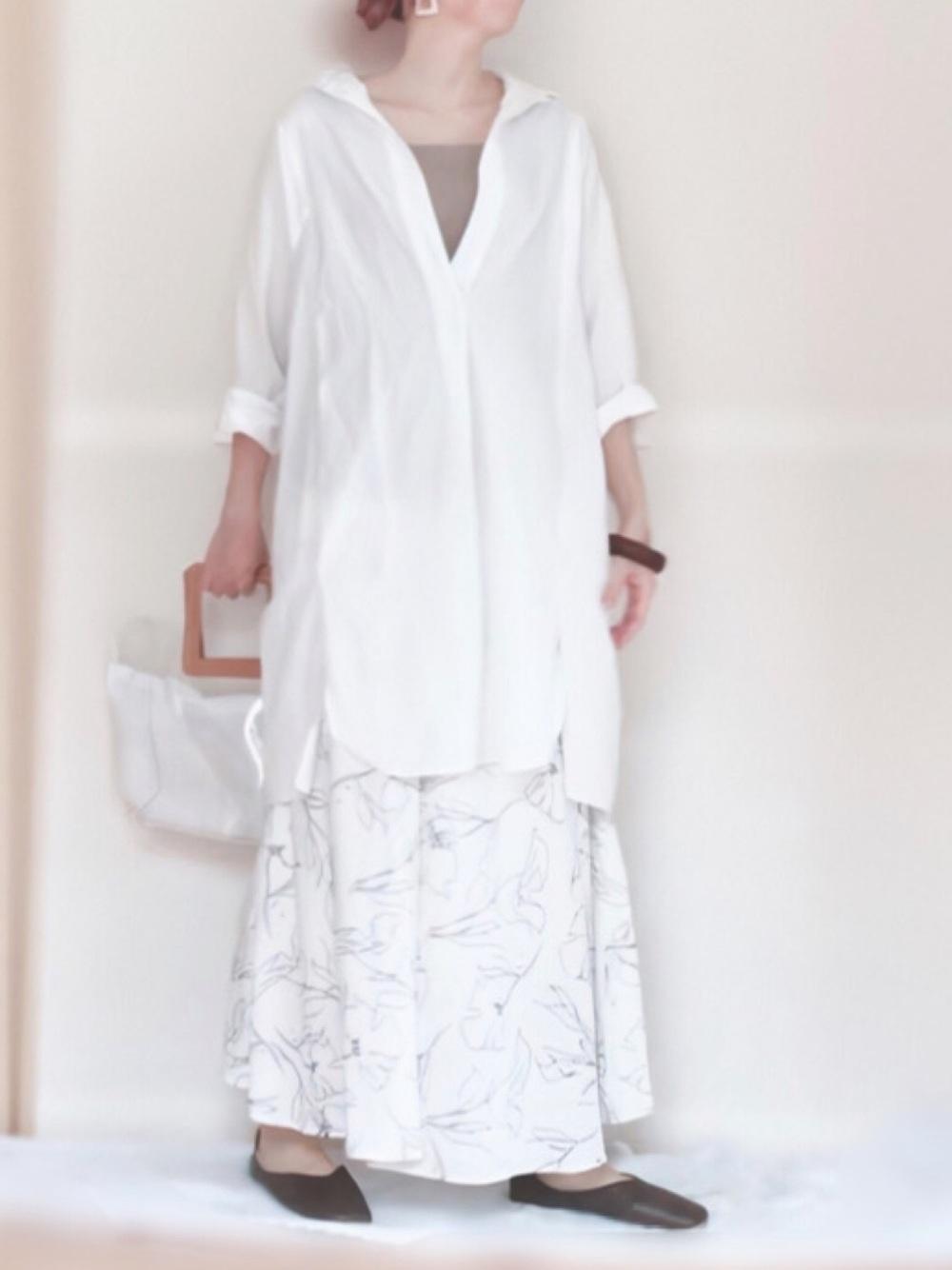 coca 白の長袖シャツワンピース