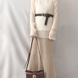 シアーシャツにしまむらの夏アイテム透かし編みニットスカートのコーデ