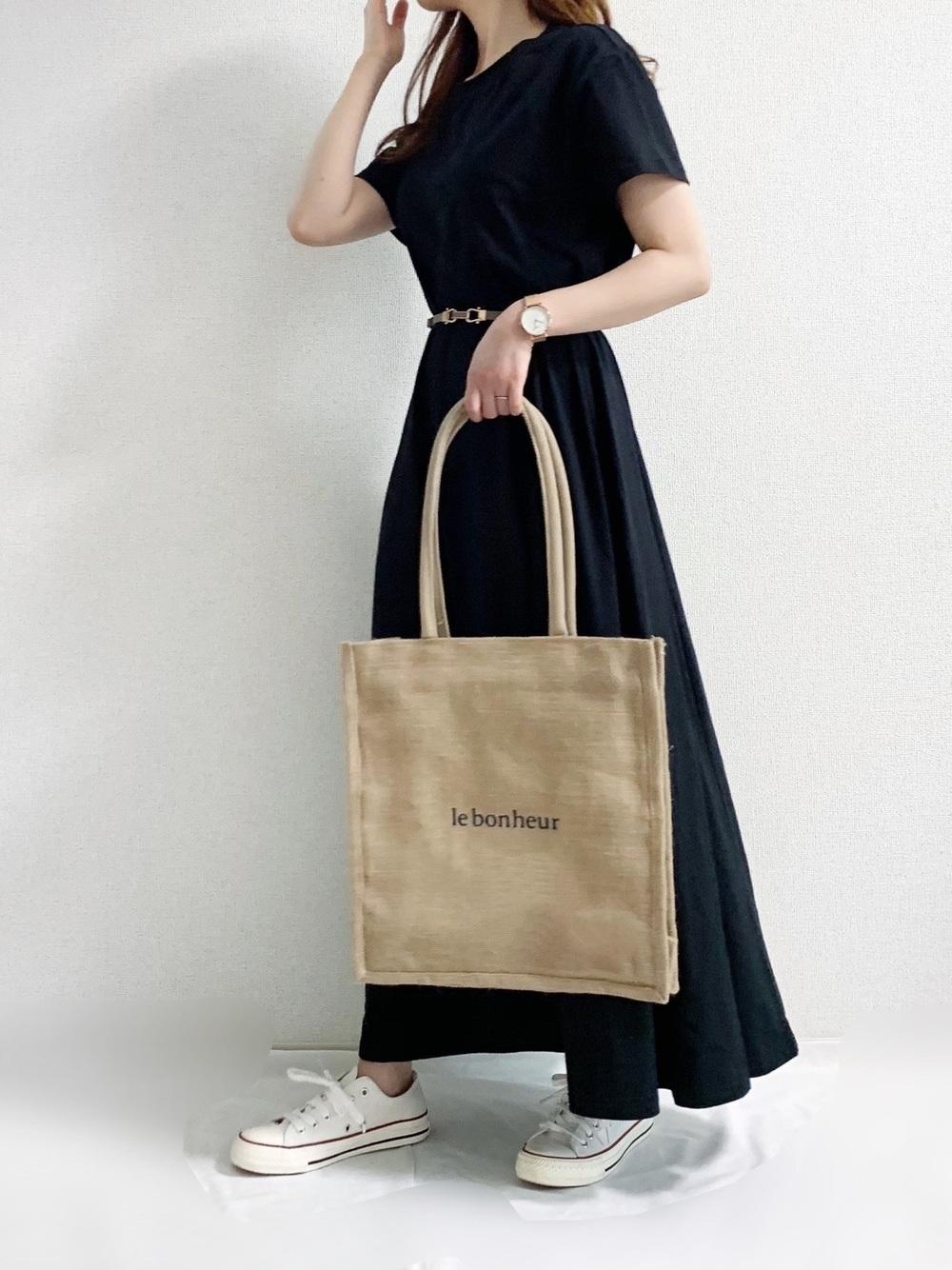ハニーズの麻バッグはサイズもちょうどいいです