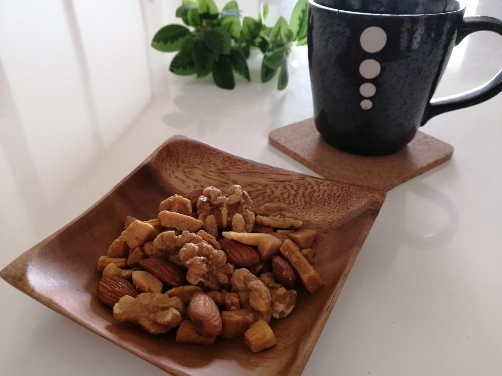 コーヒーとくるみとココナッツのキャラメリゼ