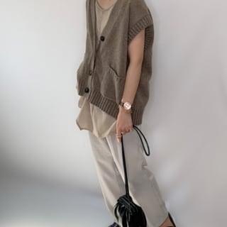 GUのローファーを履く女性