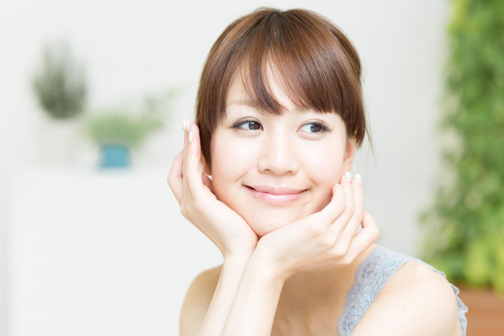 笑顔のきれいな女性