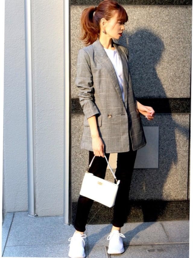 H&Mのジャケットにパンツを合わせたコーデ