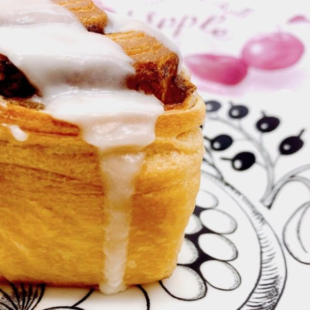 カルディの大人気シナモンロールの季節限定「アップル」が美味しい