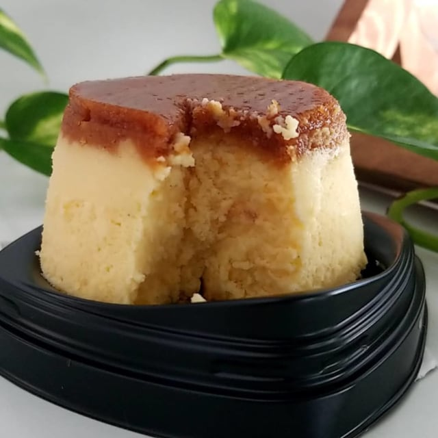 ファミリーマートのプリン!?なチーズケーキの断面写真