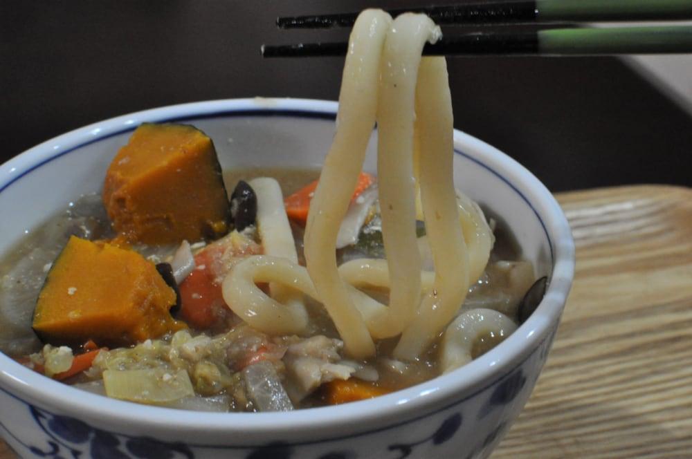 業務スーパーの「冷凍鍋ほうとう麺」麺