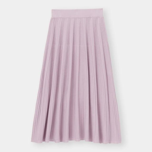くすみパープルのプリーツニットスカート