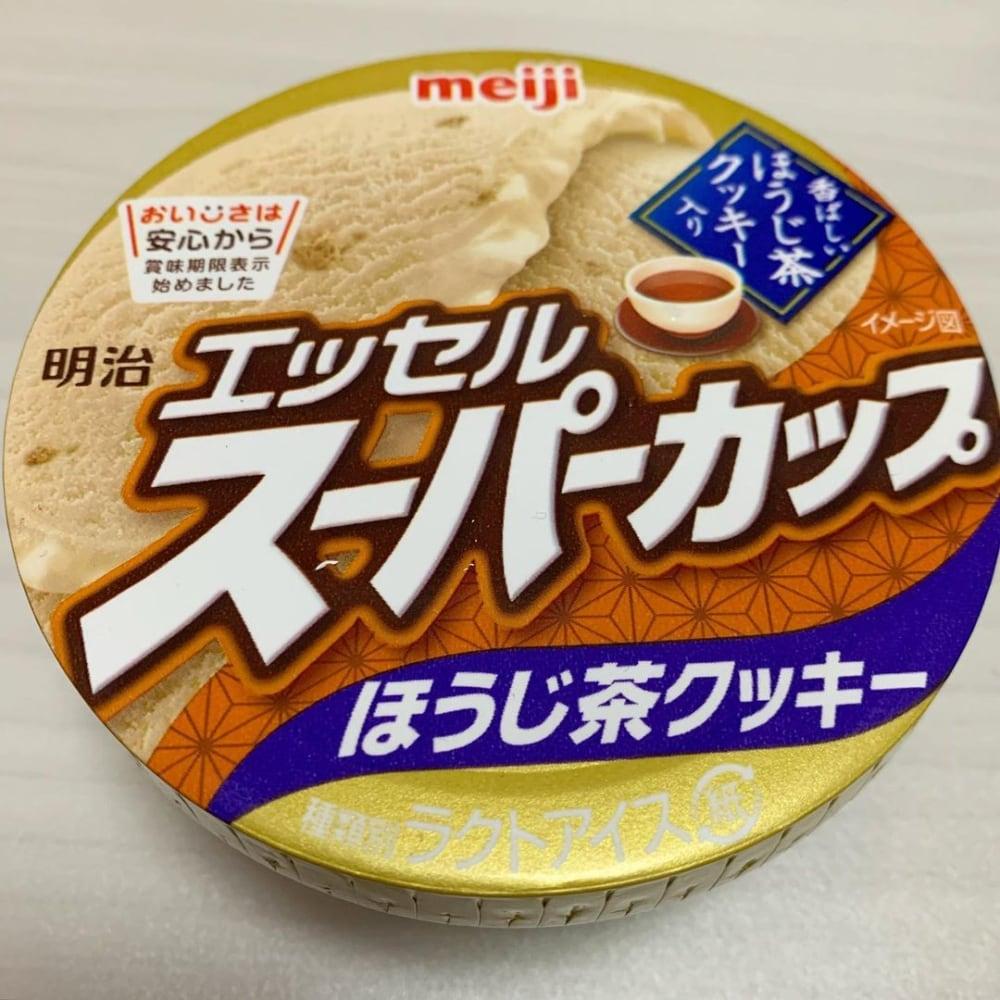 エッセルスーパーカップほうじ茶クッキーのパッケージ写真