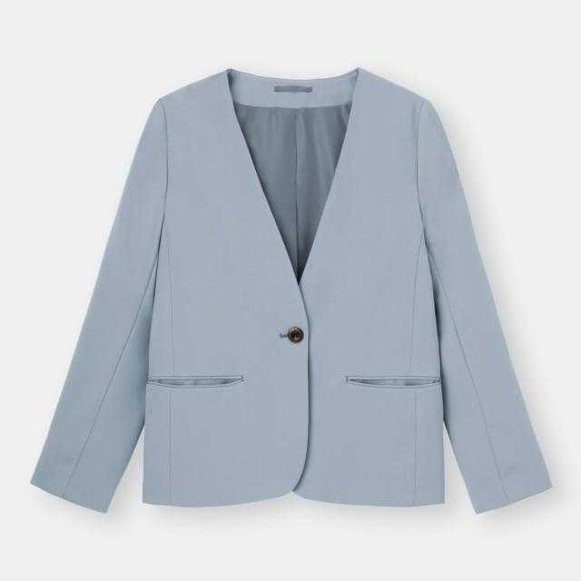 くすみブルーのノーカラージャケット