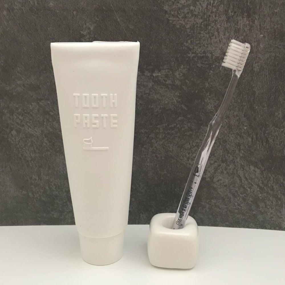 セリア「シリコン製歯磨き粉カバー」
