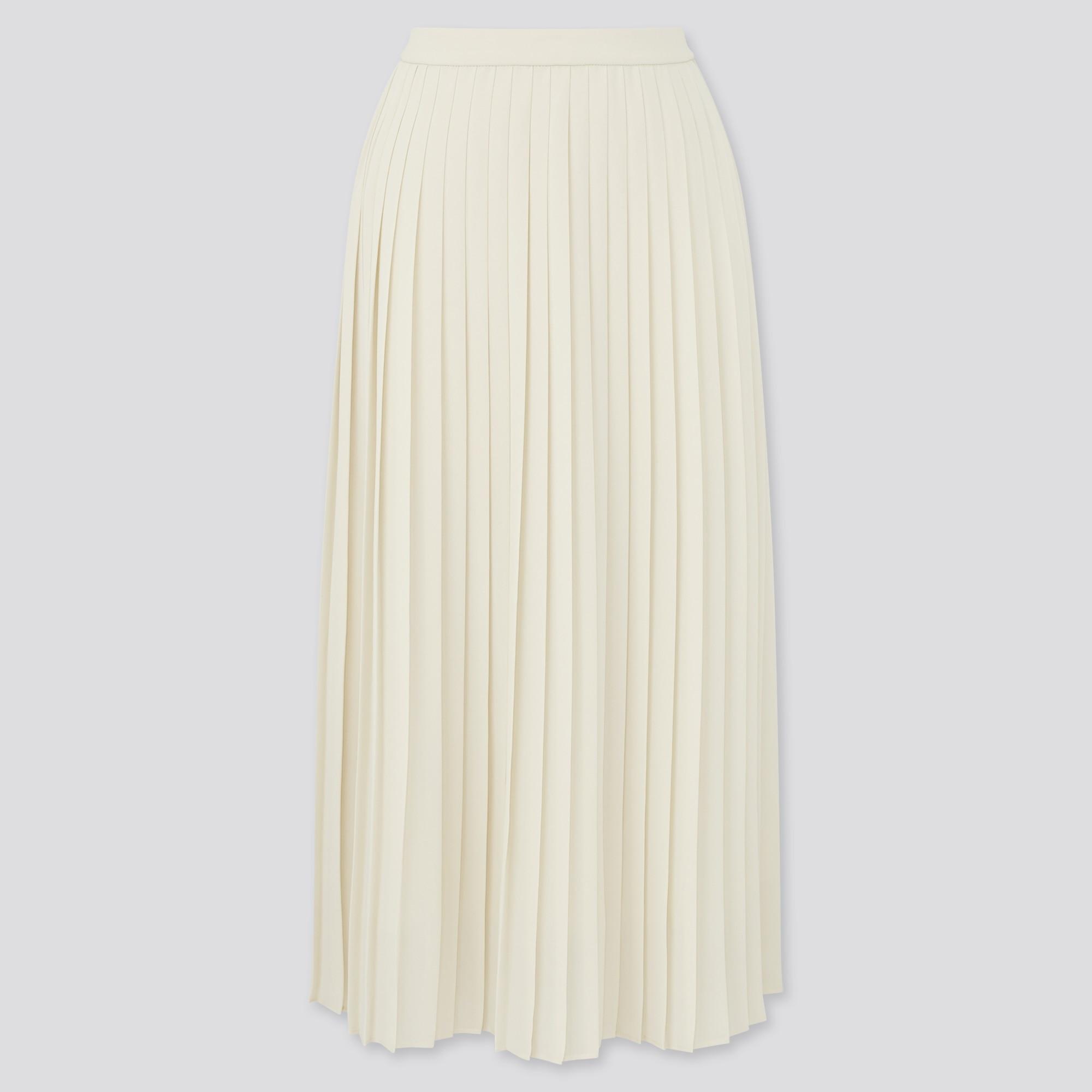 ユニクロのシフォンプリーツロングスカートの写真