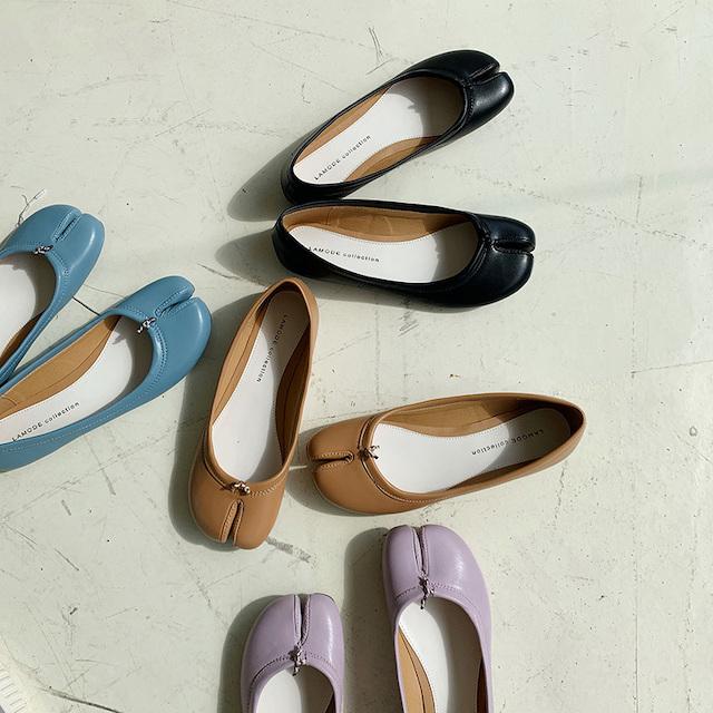 様々な色の足袋シューズ