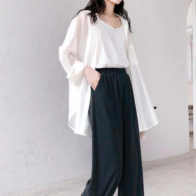 白のバックデザインリボンシャツ